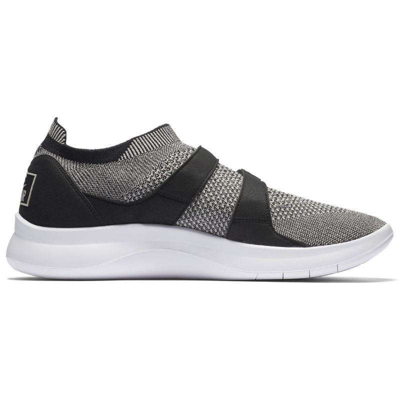 Nike Air Sockracer Flyknit - Casual Shoes